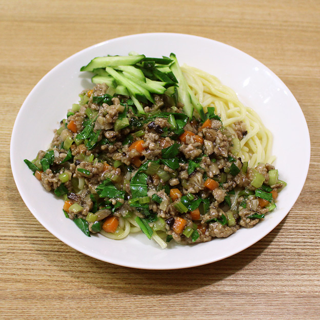鳥取のおいしい有機野菜 TREE&NORF / 小松菜の炸醤麺(ジャージャー麺)風
